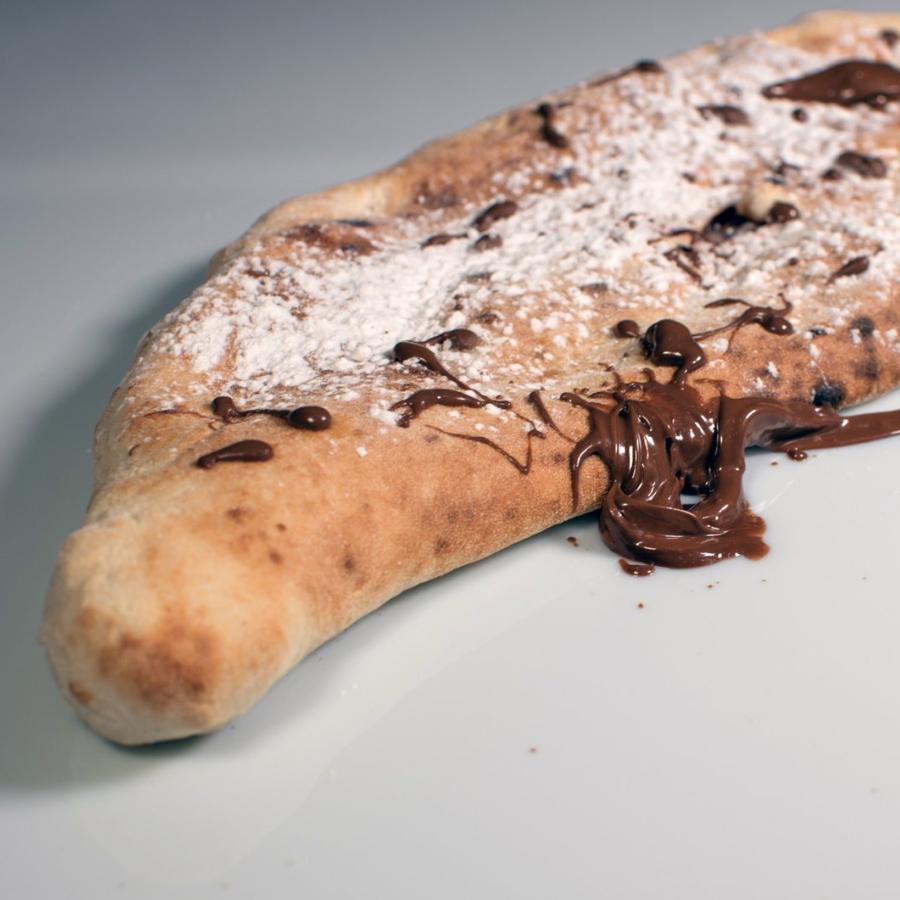 Pica z lešnikovo In tartufovo Kremo